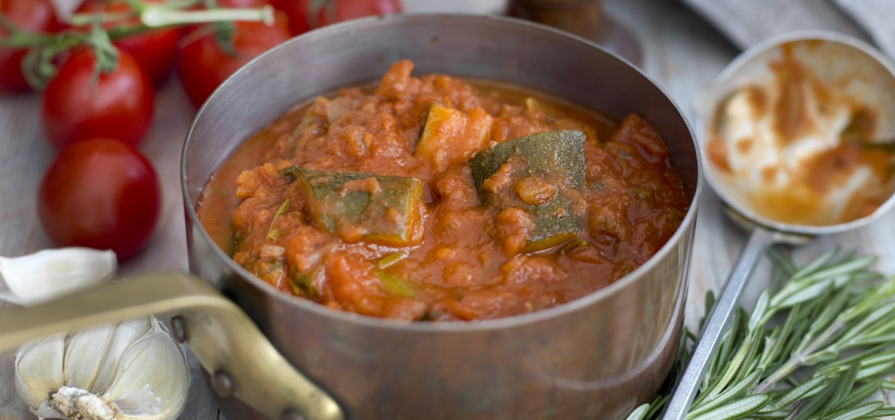 hearty vegetable and tomato sauce
