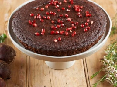 beetroot almond chocolate cake