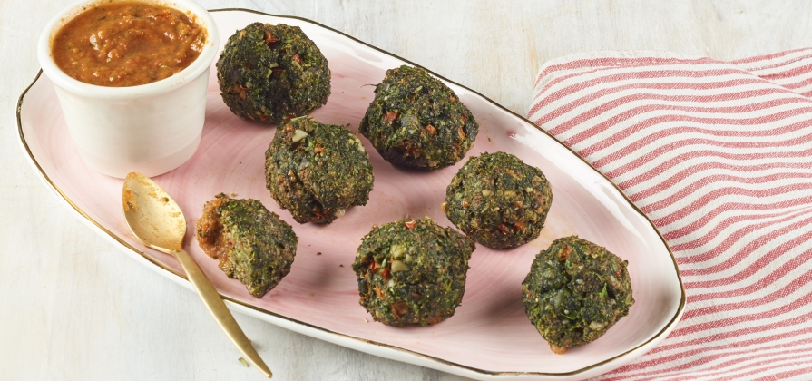 spinach polpette with easy marinara sauce