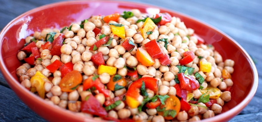 Chickpea, Tomato, Pepper and Basil Salad