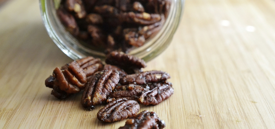 spiced holiday pecans
