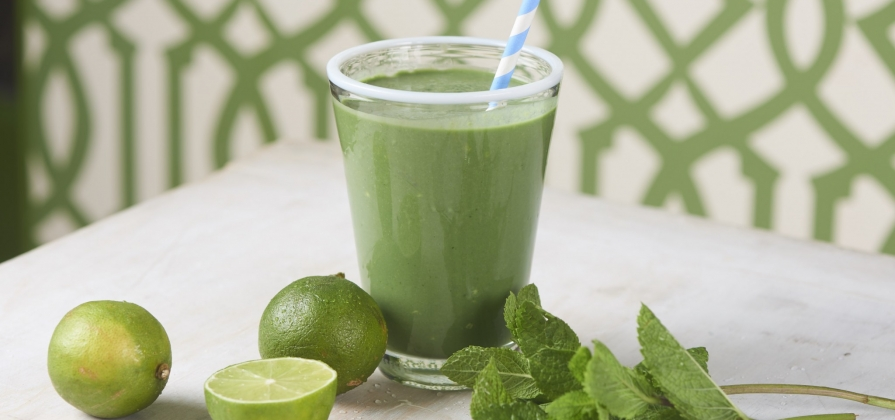 Lime and mint smoothie