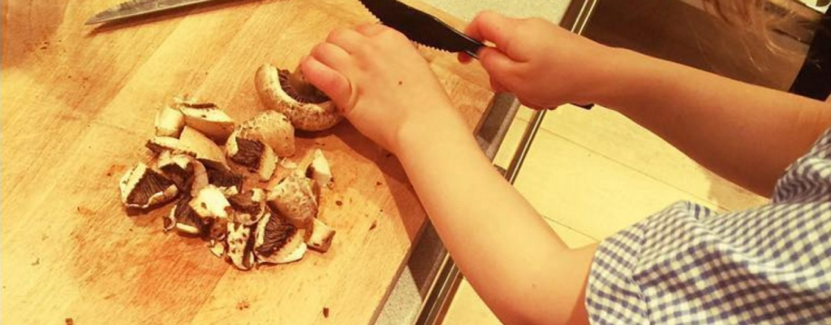 Kiddie kitchen - practical tips to get your children involved in the kitchen